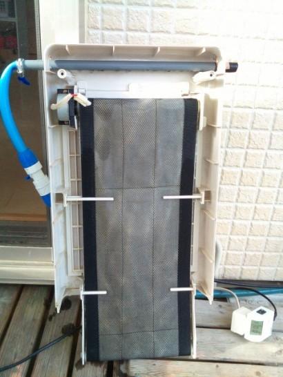 井戸水冷風扇の内部