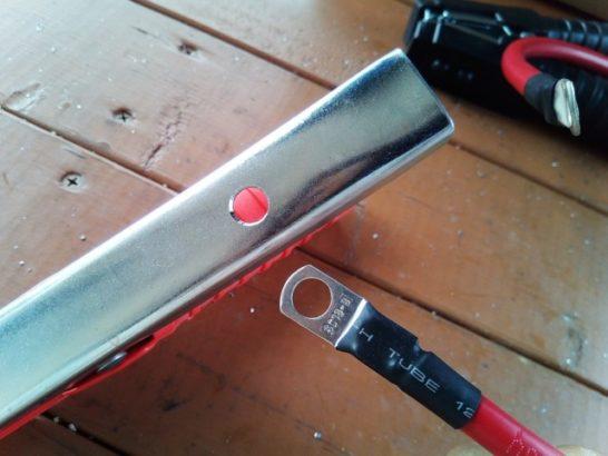 バッテリークリップとインバーターの配線