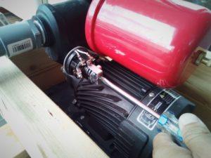 井戸ポンプの圧力スイッチの調整